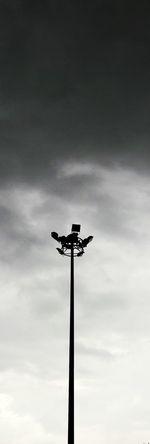 เด่น Black White Blackandwhite Sky Could  Shadow Light Black Sky High Taking Photos EyeEm Taking Photos Skylight Colors Sky_collection Street Skycollection Samsung Galaxy J7 My Pictures