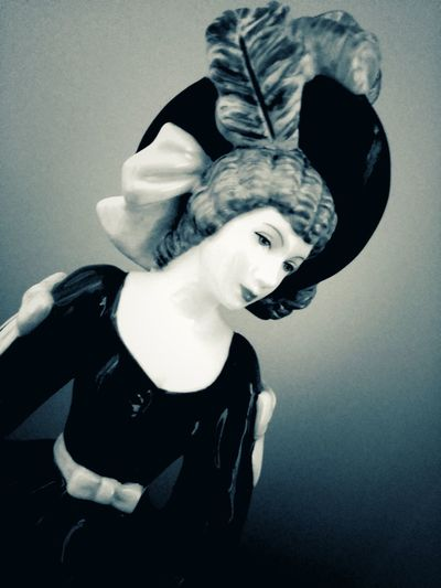 Beautiful People Beautiful People Beauty One Person Black Color Statuette Royal Doulton Statue Glamour Glamorous  Glamourous Hat Dress Hat With Feather Black And White Attractive Lady Woman Young Woman Pretty Lady