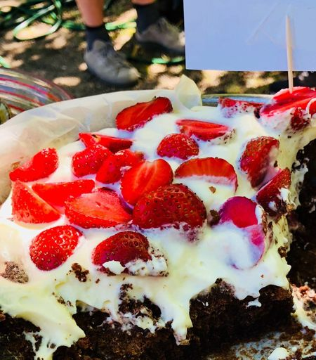 Dive in ... Cake Food Red Fruit Food And Drink Healthy Eating Strawberry Berry Fruit Ripe Nature No People Close-up Outdoors Retail  Auto Post Production Filter Freshness Day Ready-to-eat Wellbeing Juicy Temptation