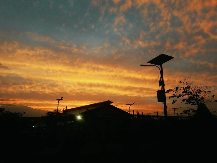 Todays Sunset 😊🤗 Sunset Silhouette Sky Outdoors Cloud - Sky No People Nature Antenna - Aerial Weather Vane Built Structure Architecture Day Sunset_collection Sun_collection, Sky_collection, Cloudporn, Skyporn MyPhotography Photograpy Travel Destinations Beauty In Nature MadeInTimorLeste Sunsetporn Phototaker PhonePhotography