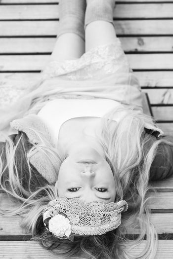 Beautiful Beautiful Woman Bllack And White Photography Black And White Portrait Outdoor Photography Outdoorphotography Women Forest Photography Shooting Lying Down Lying Pretty Attractive