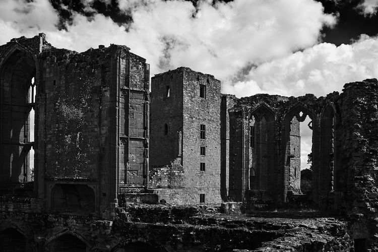 Kenilworth castle Warwickshire UK . Architecture Built Structure Sky Building Exterior History Old Ruin The Past Cloud - Sky Abandoned Building Damaged Old Ruined Run-down Obsolete Weathered Decline No People Deterioration Bad Condition Outdoors Ancient Civilization Archaeology Warwickshire Kenilworth Castle Kenilworth  Black And White Black And White Photography Black And White Collection  Castle Castle Ruin Castle View  British Culture