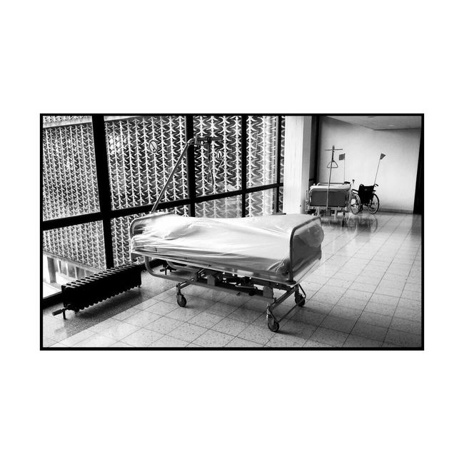Krankenbett Illness Krankenhaus Death Waiting Bed Hospital No People Indoors  Window