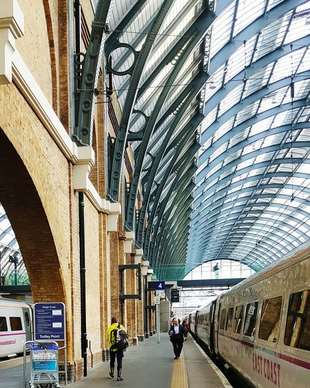 UK Diaries 2.1 LONDON❤ Kingscross Holiday POV Samsung Galaxy S6 Edge Architecture Railwaystation