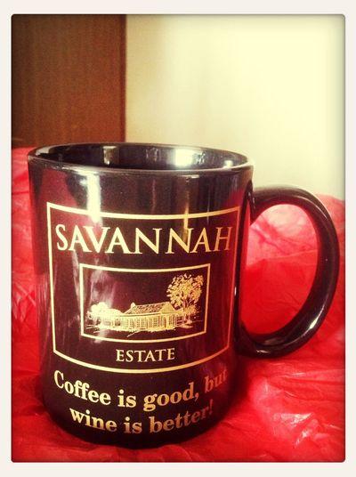 友人からのオーストラリアワイナリー土産。ワイナリーのお土産なのに皮肉の効いたジョークが面白いコーヒーマグww 大切に使います(^ ^)