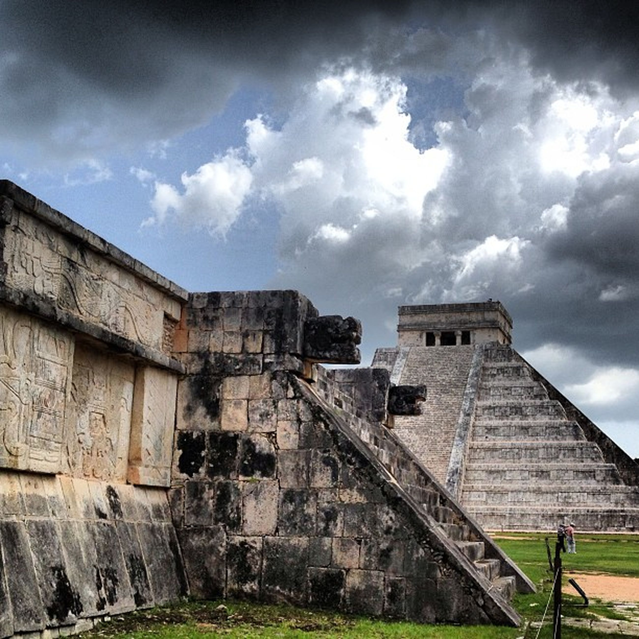 architecture, sky, built structure, cloud - sky, building exterior, cloudy, old, abandoned, low angle view, old ruin, cloud, history, weathered, damaged, deterioration, run-down, obsolete, ruined, the past, day