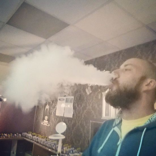 Just blowing some Clouds Vapin  Moosejuice Beardandvape vape whitemistvapour