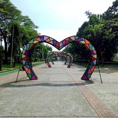 Love love love :3 Street Photography Manila Eyeem Philippines EyeEm Best Shots - The Streets Design Philippines Art Photography Beautiful Your Design Story