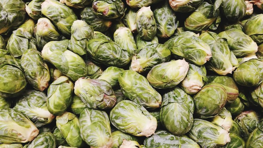EyeEm Selects Brussels Sprout Healthy Eating Food And Drink Vegetable Food Backgrounds Freshness Freshness Pattern Market Copy Space Green Large Group Of Objects Full Frame Food Minimalism Green No People Market Day Close-up Outdoors
