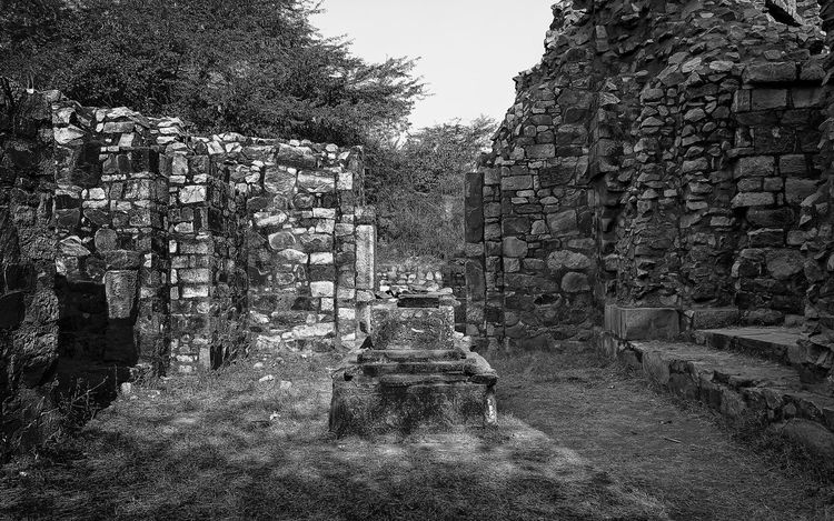 This image is part of my ongoing project covering the last resting places of Delhi Sultanate. Delhi Sultanate Delhi Sultanate Tomb Tomb, Architecture Monochrome Travel Grave Backgrounds Full Frame Pattern Sky Close-up