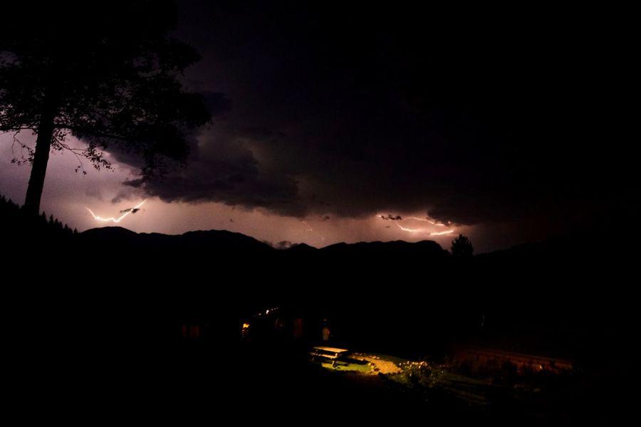 Gewitter in den Tiroler Bergen Night Mountain Lightning Outdoors Star - Space Sky Astronomy Photography Nature Blitze Gewitter Berge Tirol