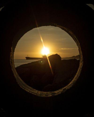 pôr do sol na Ponta da Praia em Santos. Entre as janelas da cidade. Santos Fotografía Urbana Fotografia Photography UrbanART Sunset Ponta Da Praia Pordosol Sunset Water Sun Sunlight Silhouette Sky Close-up First Eyeem Photo