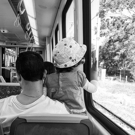 Ever noticed how there is no better platform for a child to view the world... than the shoulders of their parents? 1st experiences, held up high in arms tight with love. . My Transport Street Series... this was such a cute moment. Blackandwhite Blackandwhitephotography Blackandwhitelove Insta_bw Bnw_society Bnw Bnw_australia Bnw_captures Bnw_city TheCreatorClass The_lady_bnw Postthepeople MichaelsCamera Bnw_life Streetlife_mag