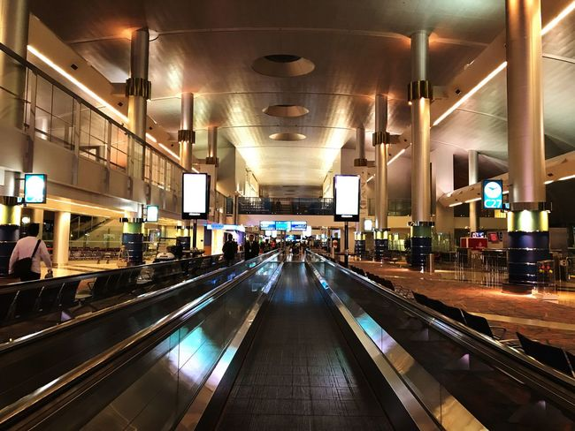 Illuminated Transportation Lighting Equipment Indoors  Architecture Real People Built Structure Dubaiairportterminal3 Dubaiairport Travel Destinations Travel Photography Nighttravel Emiratesairline Lovetravelling Latenight People And Places honestly have no idea what i'd do if i couldn't travel..