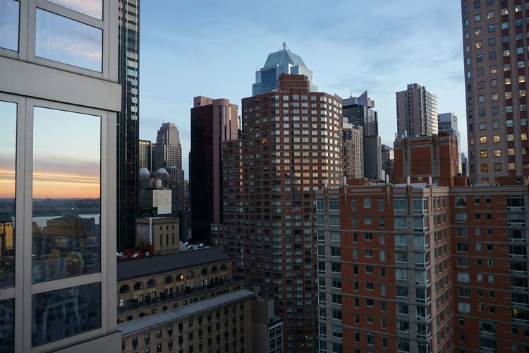 Sunset Reflecting From My Condo Facade Check This Out Newyork Manhattan Sunset_collection Sunset #sun #clouds #skylovers #sky #nature #beautifulinnature #naturalbeauty #photography #landscape