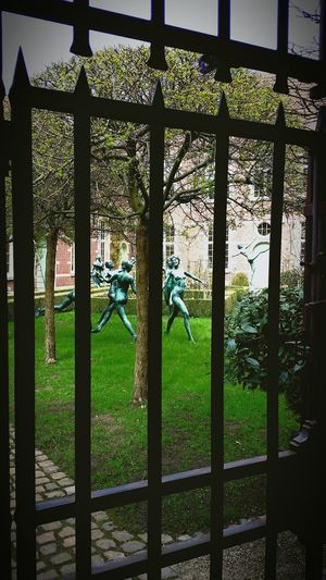 Behind Bars Mechelen Dance Looking To The Other Side Eye4photography  Travel Photography Check This Out Samsung Galaxy S4 Taking Photos Secret Garden