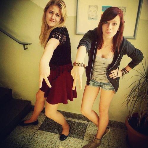 oooh fronzi ♥♥ School Schoolwithfriends Fronzi Oneofmyfavourites havingfun hot weather behinderungen haha loveher