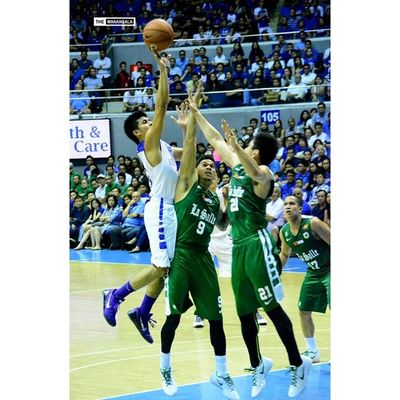 Phenom @kieferravena15 scored 22 points for the Blue Eagles with 6 rebounds, 6 assists, and 1 steal ??? . . . UAAP Uaap77 Uaapseason77 ADMUvsDLSU ateneolasalle ateneo blueeagles dlsu greenarchers hoop basketball themanansala