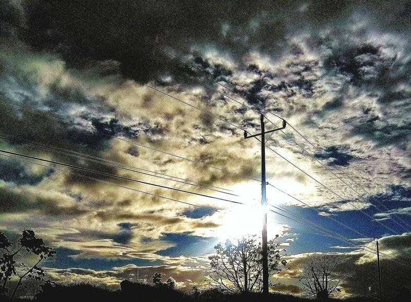 Días Nublados Cloudy Day Nuves☁ Landscape Look The Sky Sol Sun No People Looking Light Colors El Cielo Y La Tierra Sun Light