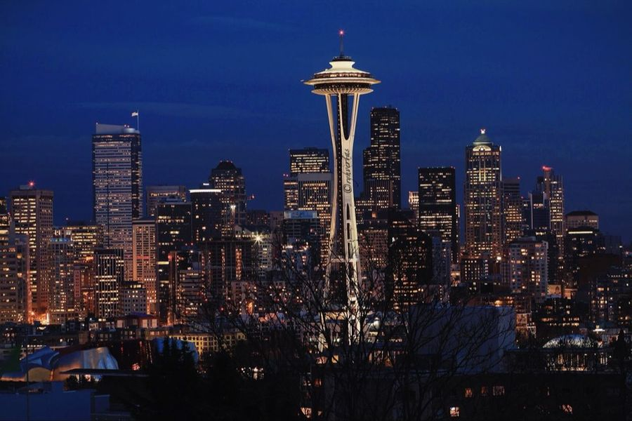 H O M E Seattle 206 Queenanne Skyline City
