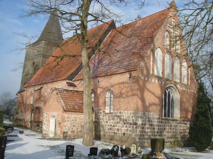 Die Kirche Von Hohendorf - Mecklenburg Vorpommern Architecture City Cold Temperature History Old Church Picture Outdoors Place Of Worship Religion