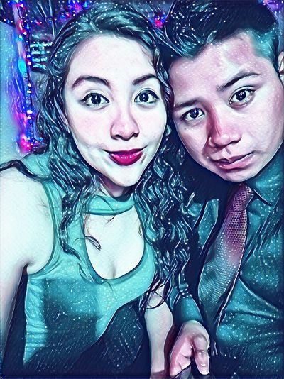 Parejas♡ Love ♥ Novios Noche Amor ♥ Looking At Camera Portrait Headshot Young Adult