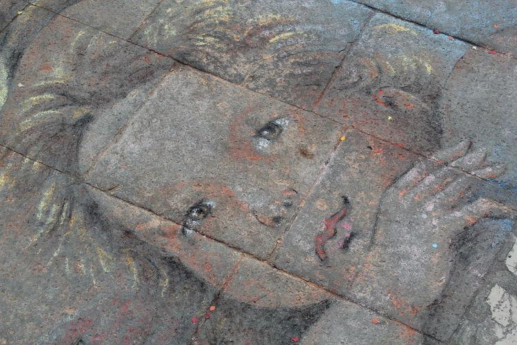 Drawing Sidewalk Drawing On Pavement Art Angel Face Chalk Art Chalk Drawing Chalkdrawings