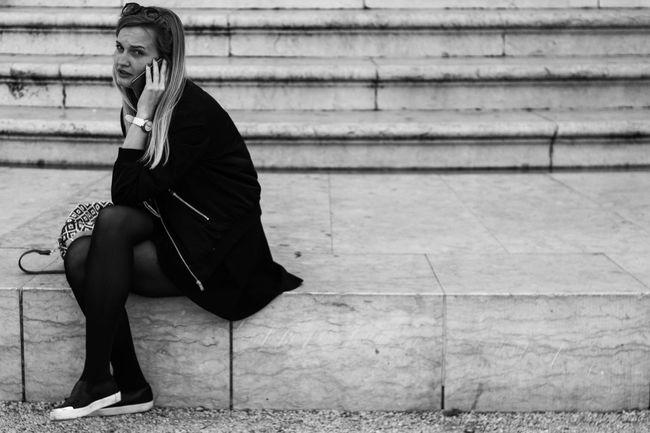 Architecture_bw Black & White Blackandwhite Blondehairdontcare Girl Lisboa Portugal Streetphotography Talking Photo Umbrella Woman Who Inspire You Women Who Inspire You The Street Photographer - 2016 EyeEm Awards