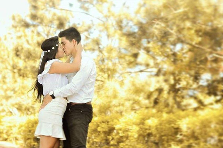 Brincando de @andressribeiro :3 Sqñ Love Lovers Instalove Instalover Naturelovers Nature Yellow Photographic Photographicsession Photolove FozDoIguaçu Templobudistafoz Kiss Kissess Kisses Kissed Sunlight Sunset Sunsets Sunsetshots