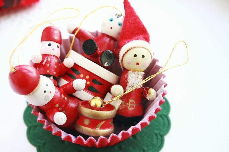Vintage Christmas decorations! Unykaphoto Christmas Christmas Decorations Christmas Spirit Christmas Ornaments Vintage Christmas Decorations Vintage Vintage Christmas Old-fashioned HolidayMarketing Celebration Lieblingsteil
