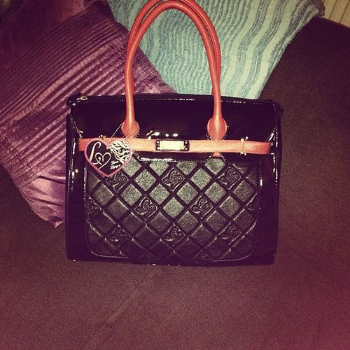 Loving my new lipsy bag Lipsy Bag Lipsybag Treat blackandred pretty collection autumn handbag accessory