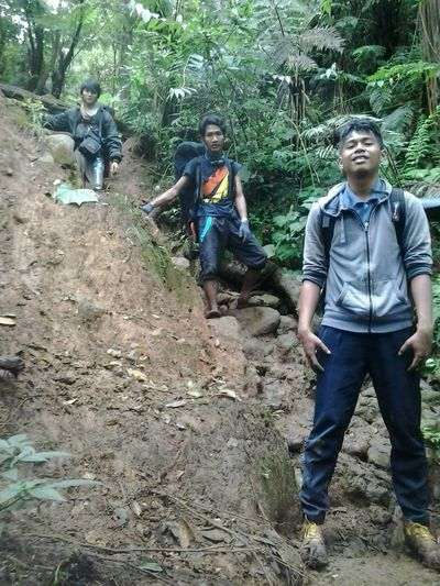 gunung salak mountain bogor- indonesia INDONESIA Gunung Salak Salak Mountain Bogor EyeEm Travel Hiking Summit Summit Attack Camping Mountain Casual Clothing Young Adult Leisure Activity Full Length Adventure Enjoyment Tree Fun Vacations Outdoors Exploration Lifestyles Adults Only Front View Go Higher