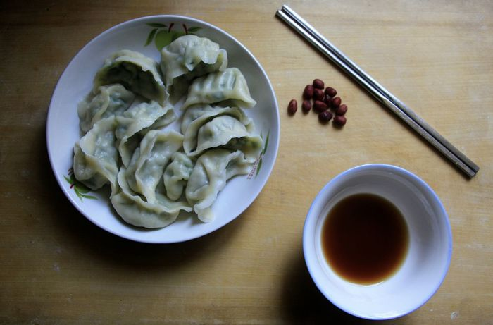 Bowl Chinese Food Chinese Food Jiaozi Close-up Drink Dumpling  Dumplings Food Food And Drink Freshness Healthy Eating Healthy Food Healthy Lifestyle Indoors  Plate Ready-to-eat Style Of China Table