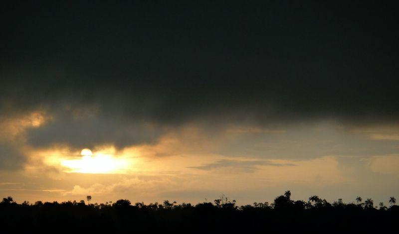 C'mon Sun, chase the Dark Cloud away. Sanga-sanga Kalimantan Kalimantan Timur INDONESIA