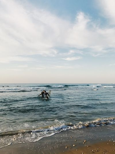 Sea Water Horizon Over Water Sky Nature Real People Beauty In Nature Beach Scenics Cloud - Sky Lifestyles Outdoors Day Two People Men Adventure Sport People The Great Outdoors - 2017 EyeEm Awards IPhone7Plus מייאייפון7 Shotoniphone7plus מייים Sommergefühle