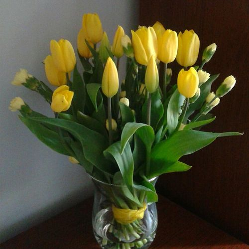 Home Sweet Home Flowers Tulips🌷 Cloves Natural Beauty Natural At Home Spring Spring Flowers Springtime