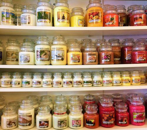 Yankee Candels shop. Beautifully Organized Choice Coloured Day Indoors  Jar Old-fashioned Shelf Variation Yankee Candle Yankeecandle