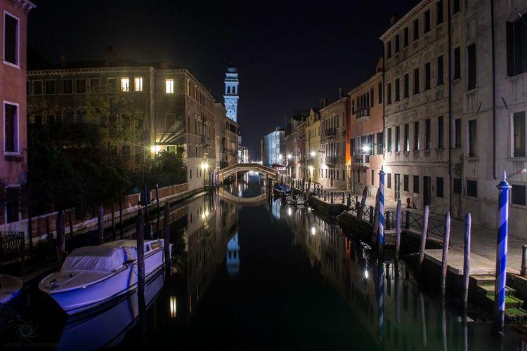 Venezia by night!! Enjoying Life EyeEmBestEdits Landscape Water_collection Water Reflections Water City Landscape_photography Nightphotography Night
