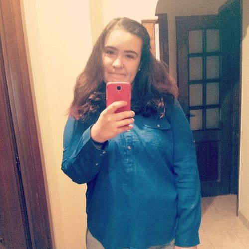 Poză şmecheră în oglindă. Iei UaU Lel Haha şmecher pozainoglinda mirror lol hue school test selfie
