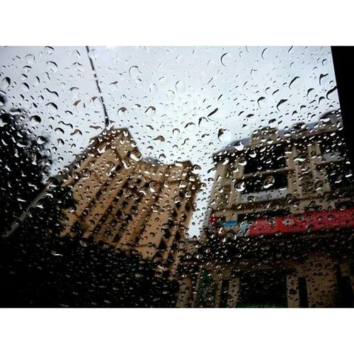 Instaclick Iphon5s Rain Hubli window Hyundaii20