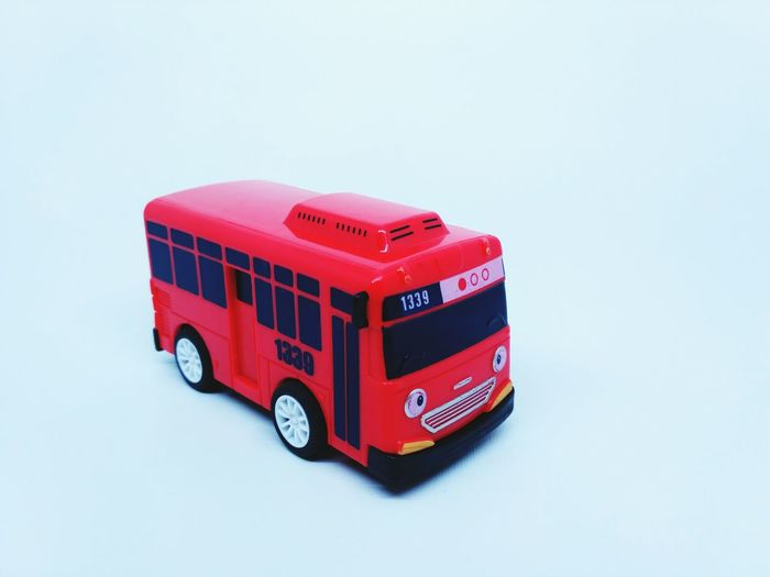 Gani the little bus Tayo Rogi Gani Lani Bus Korea Cartoon Characters Red Bus Baby Playing Happy Kids Playground Fun Four Wheel Drive Supermarket Red Land Vehicle Toy Car Toy Vehicle Model - Object