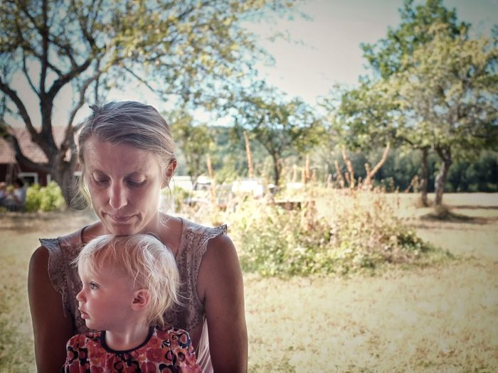 The women in my life. Love Summer Framing Tree Plant Nature Front View Day Sunlight Portrait Lifestyles Headshot Real People Leisure Activity Women The Portraitist - 2018 EyeEm Awards