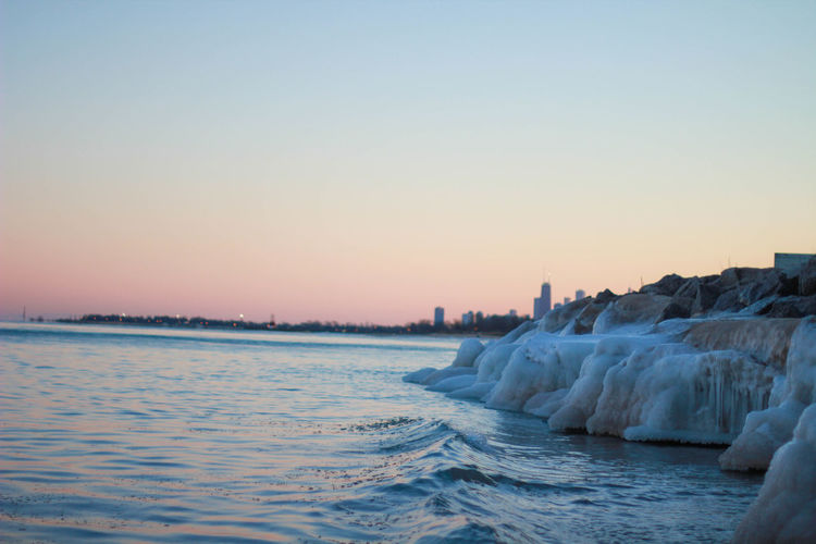 Sunsets over the icy Lake Michigan @willwithhannah Chicago Sunset Lake Michigan Landscape Landscape_Collection Ocean Sea Cloud - Sky Backgrounds Chicago Skyline Willwithhan Willwithhannah Chicago ♥ ChicagoPD