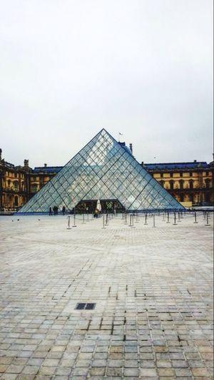 Louvre Triangle Museum Mona Lisa Painting Da Vinci Venus Arts Seine River Sculpture Collection French Revolution Paris, France