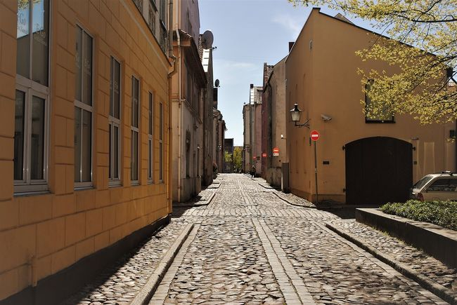 Architecture Building Exterior Built Structure City Cobblestone Day No People Outdoors Residential Building Street