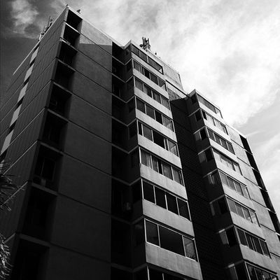 🌇 Vscocam Vscogrid Vscord Lookingup Architecture Santodomingo Urban Building City Blackandwhite