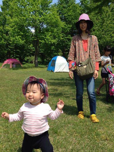 赤ちゃん よちよち よちよち 可愛い 子育て Babygirl Baby Green Park