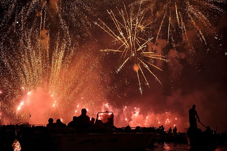 Party Redentore Venice Venice, Italy Firework - Man Made Object Arts Culture And Entertainment Celebration Night Motion Firework Display Event Spraying Fireworks Entertainment Exploding Large Group Of People Playing Leisure Activity Glowing Enjoyment Water Sparks Illuminated Crowd My Year My View