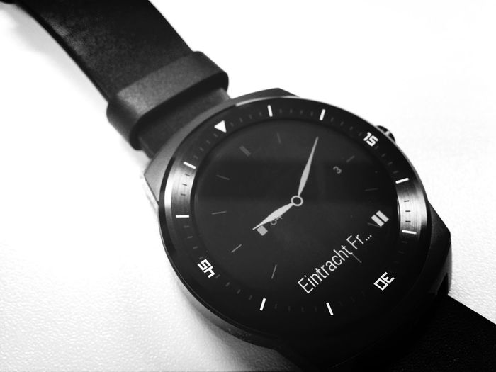 Die LG G Watch R ist zum Test eingetroffen. Review demnächst auf Themetro Black & White