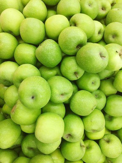 Fresh apple background Apple - Fruit Green Color Full Frame Food And Drink Healthy Eating Food Wellbeing Backgrounds Vegetable Fruit Still Life Close-up Organic Market Freshness